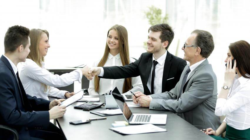 Social and business protocol – etiquette, social conduct and manners  Managers at all levels nowadays attend business...