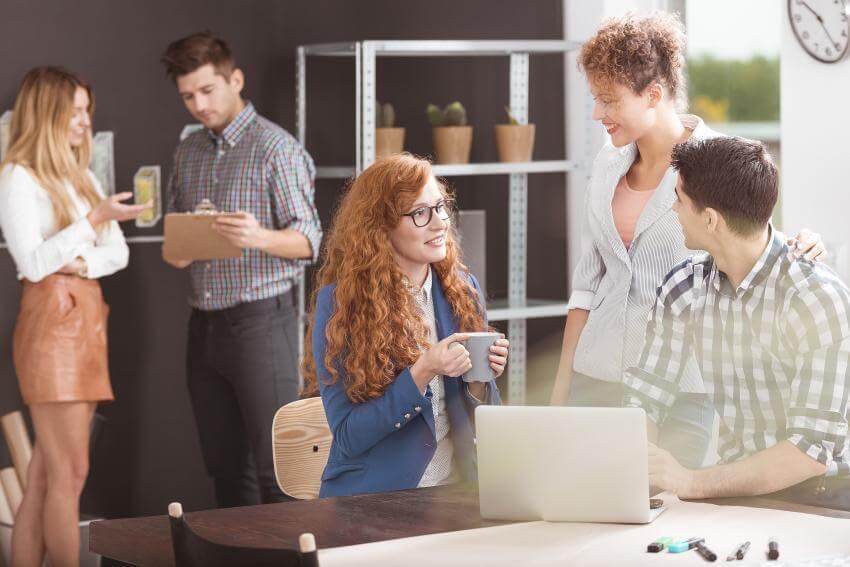 Typológia zákazníkov  Tento tréningový program je určený pre predajcov na predajnom mieste, obchodných reprezentantov...