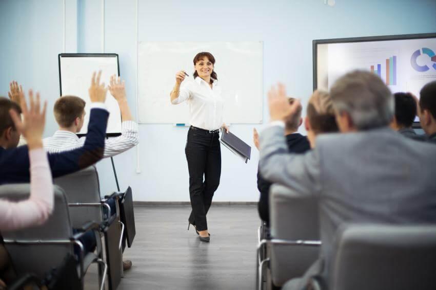 Prezentačné zručnosti  U našich klientov sa tento tréningový program vďaka svojej metodike, štruktúre ako aj interakci...