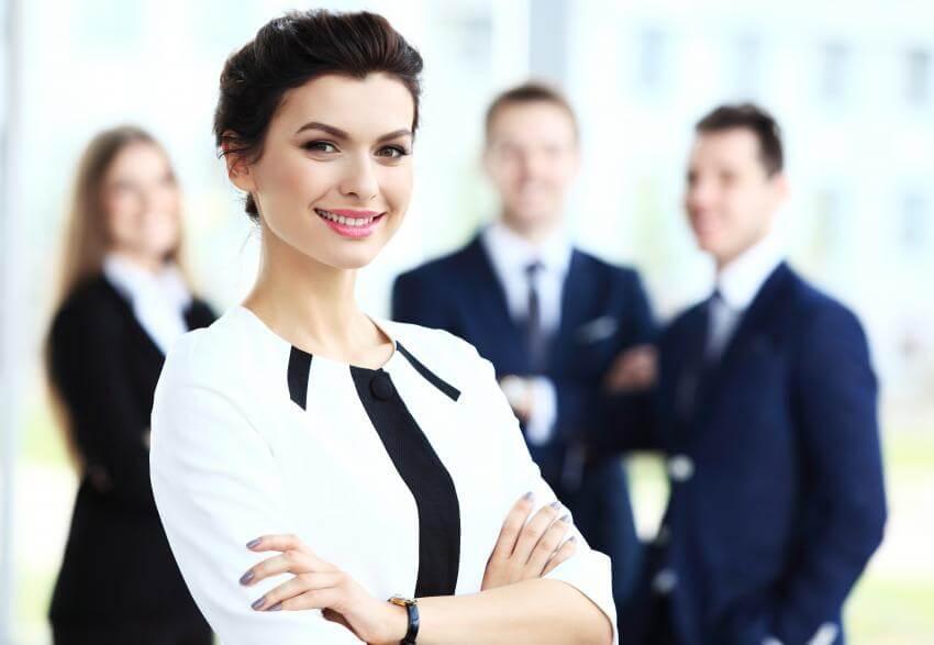 Leadership a manažérske zručnosti  Cieľom vzdelávacieho programu je uvedomiť si vlastné silné a rozvojové stránky v ob...