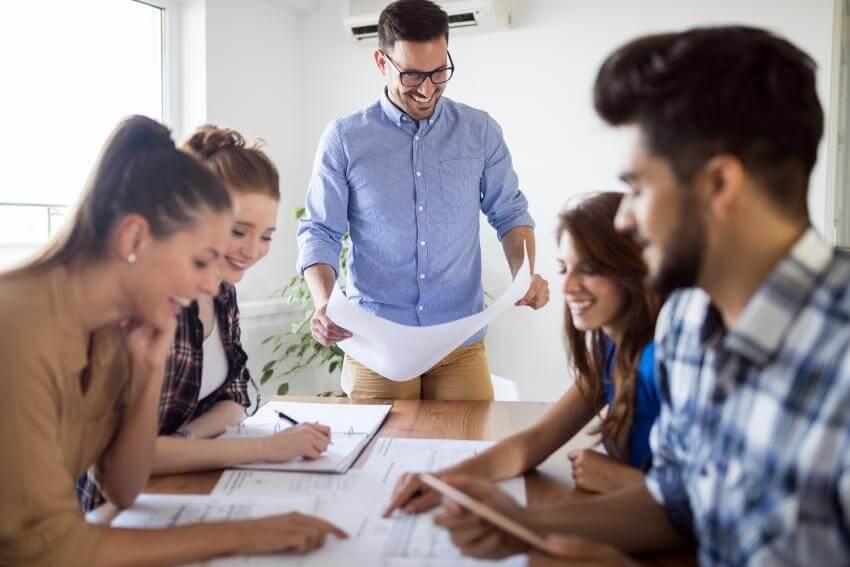 Vedenie tímu a pracovnej skupiny  Cieľom tohto vzdelávacieho modulu je zdokonalenie sa vo vedení a motivovaní tímov, s...